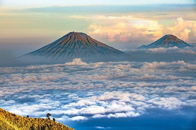 Mendaki Gunung Kendang, Puncak Tertinggi di Bandung Raya