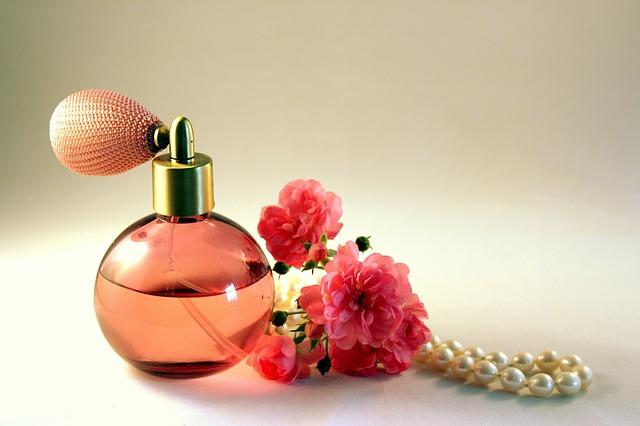 Daftar Merk Parfum Wanita Yang Segar dan Tahan Lama